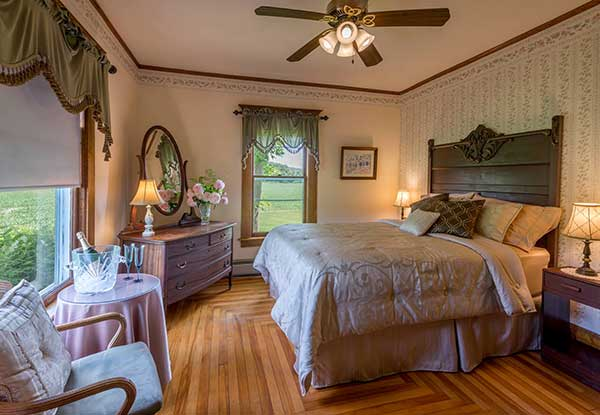 Lodging at Our Inn    Vermont Horse Farm & Vacation Rental in Fayston, Vermont